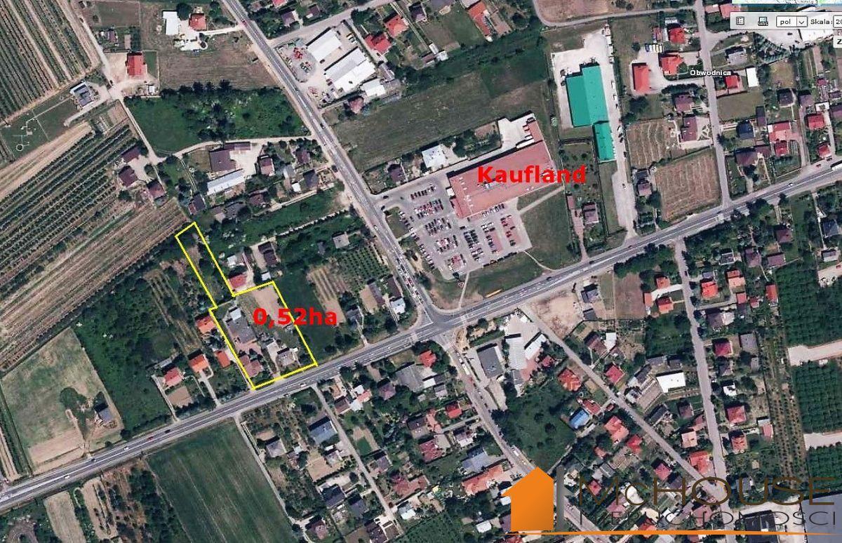 Sandomierz – działka 52 ar, przy skrzyż. dróg 77 i 79